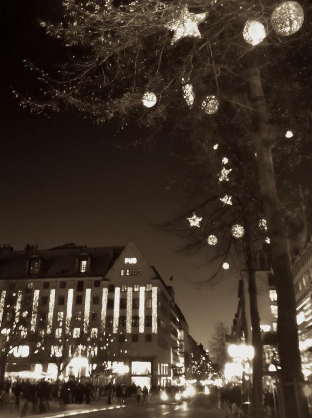 Stockholm 2011 - 12 -02 - Hötorget - iPhonepic